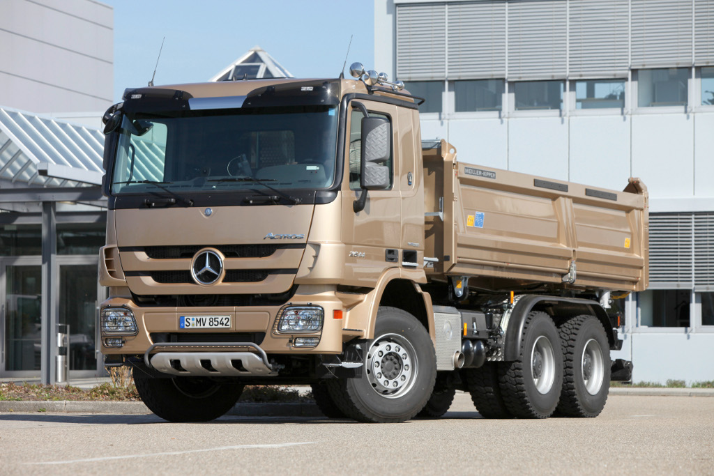 New mercedes benz trucks presented at bauma fair 2010 for Mercedes benz used vehicles