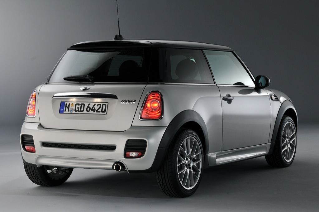 New Mini Jcw Sport Pack Uk Prices Released Autoevolution