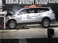 Chevrolet Traverse frontal crash test