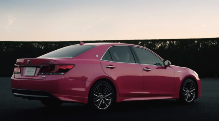 Pink Toyota Crown is Cool in New Clip [Video]