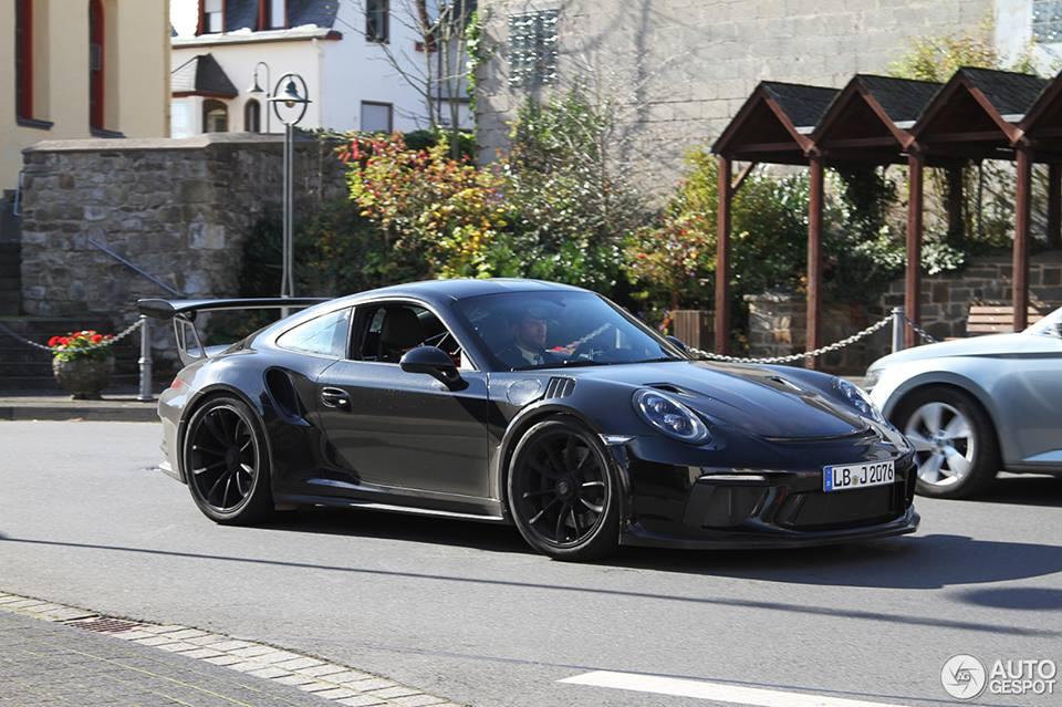 New Porsche 911 Gt3 Rs 991 2 Causes A Stir In German Traffic