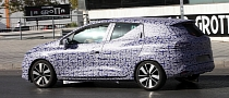 New Renault Clio IV Estate Spied Testing
