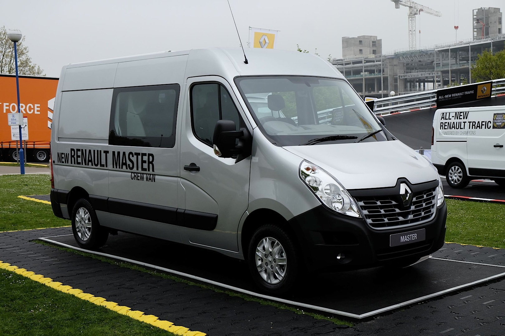493d1714f2 New Renault Master Panel Van Unveiled at CV Show - autoevolution