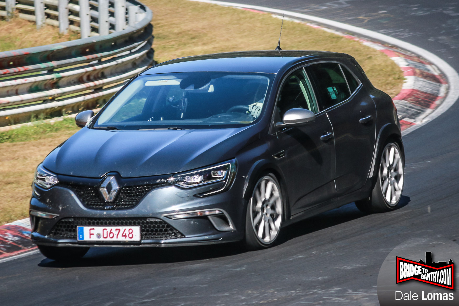 new 2018 renault megane rs flying on nurburgring spyshots. Black Bedroom Furniture Sets. Home Design Ideas