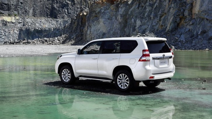 Led Lights For Cars >> New Toyota Land Cruiser Prado Launching in India - autoevolution