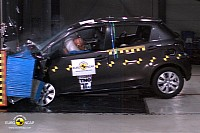 Toyota Yaris 2011 crash test
