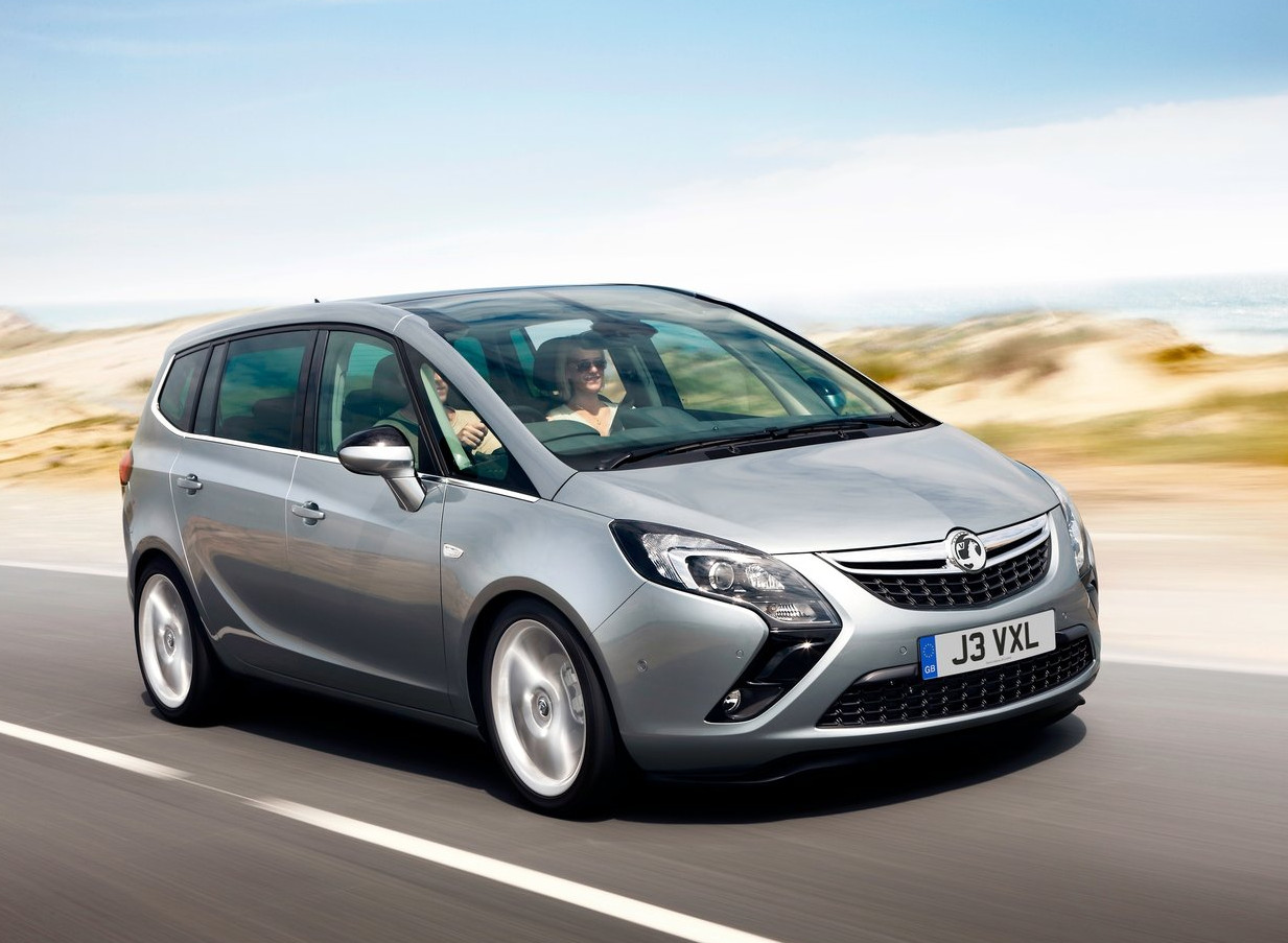 new vauxhall zafira adds 39 tourer 39 to its name autoevolution. Black Bedroom Furniture Sets. Home Design Ideas