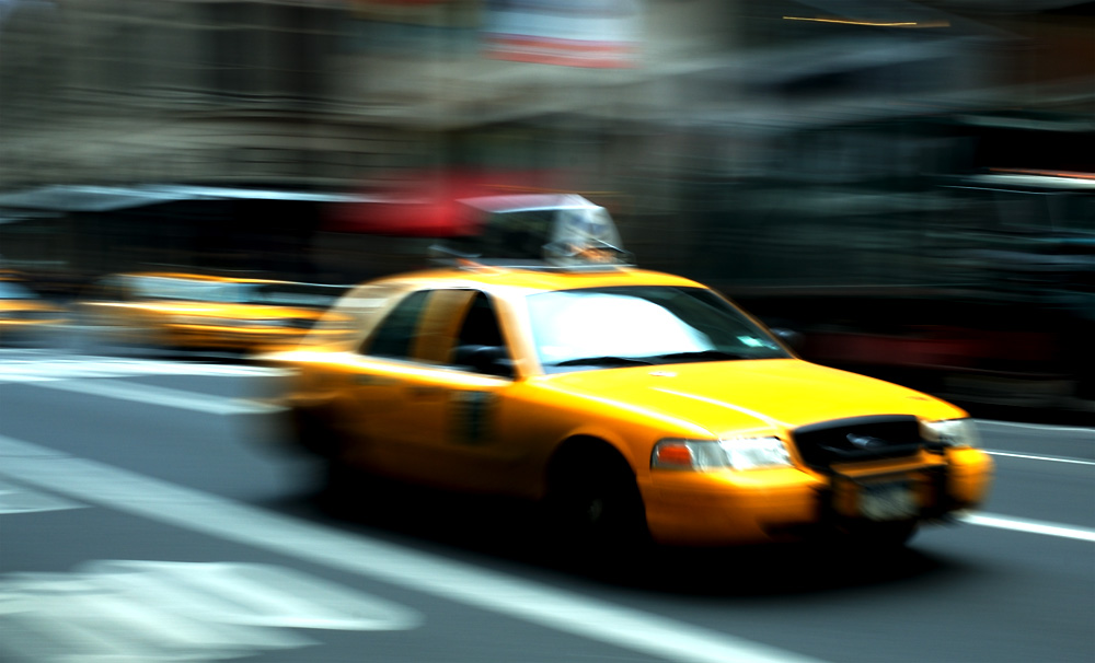 new york city taxis go green but not yet autoevolution. Black Bedroom Furniture Sets. Home Design Ideas