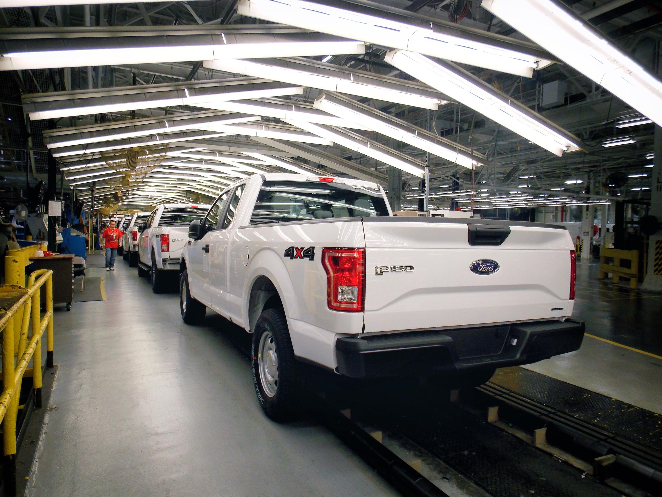 US Probes Ford Vehicles For Steering, Door Latch Problems