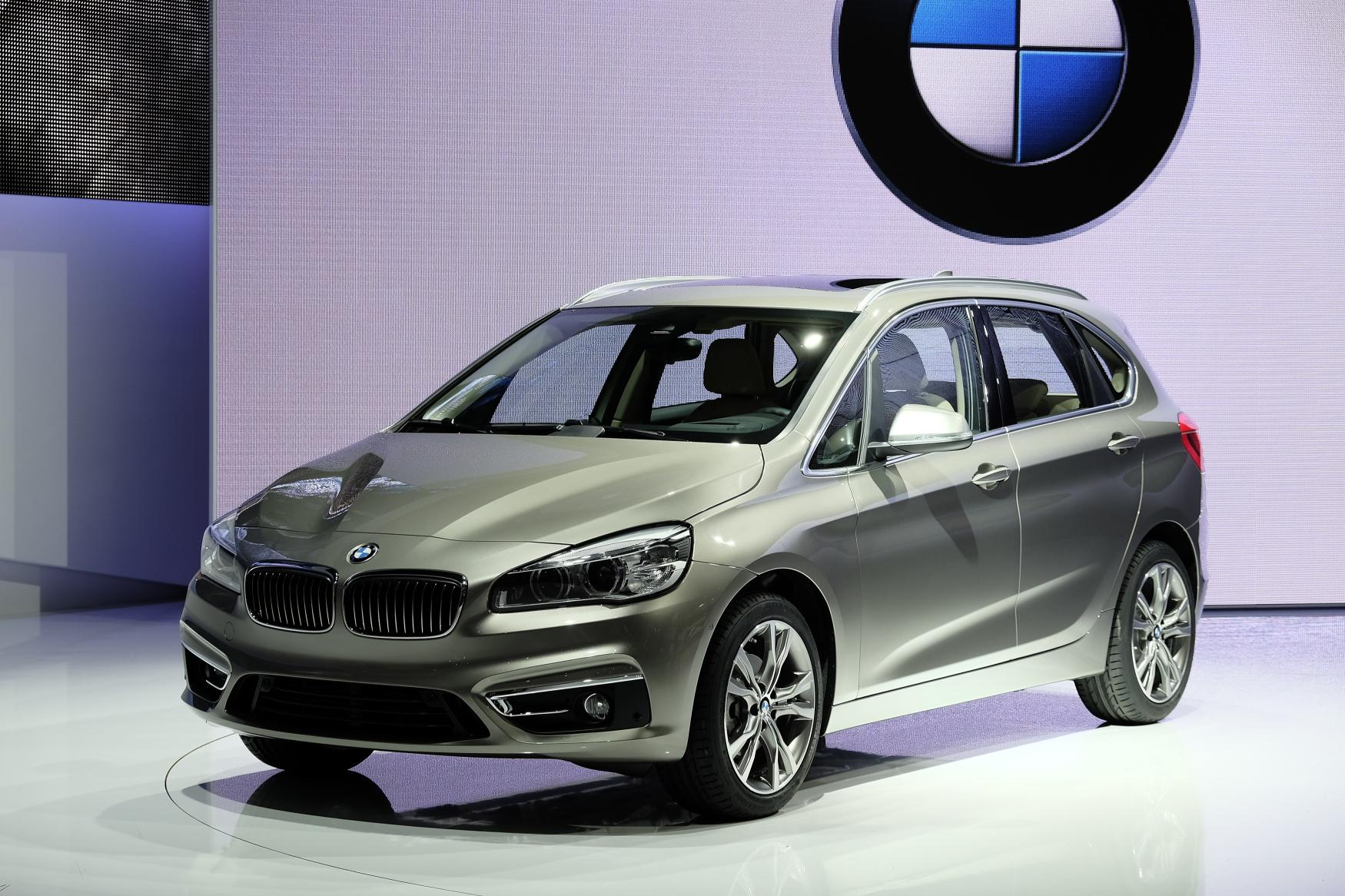 Next-Gen BMW 2 Series Tourer and Its 300 HP M Brother ...