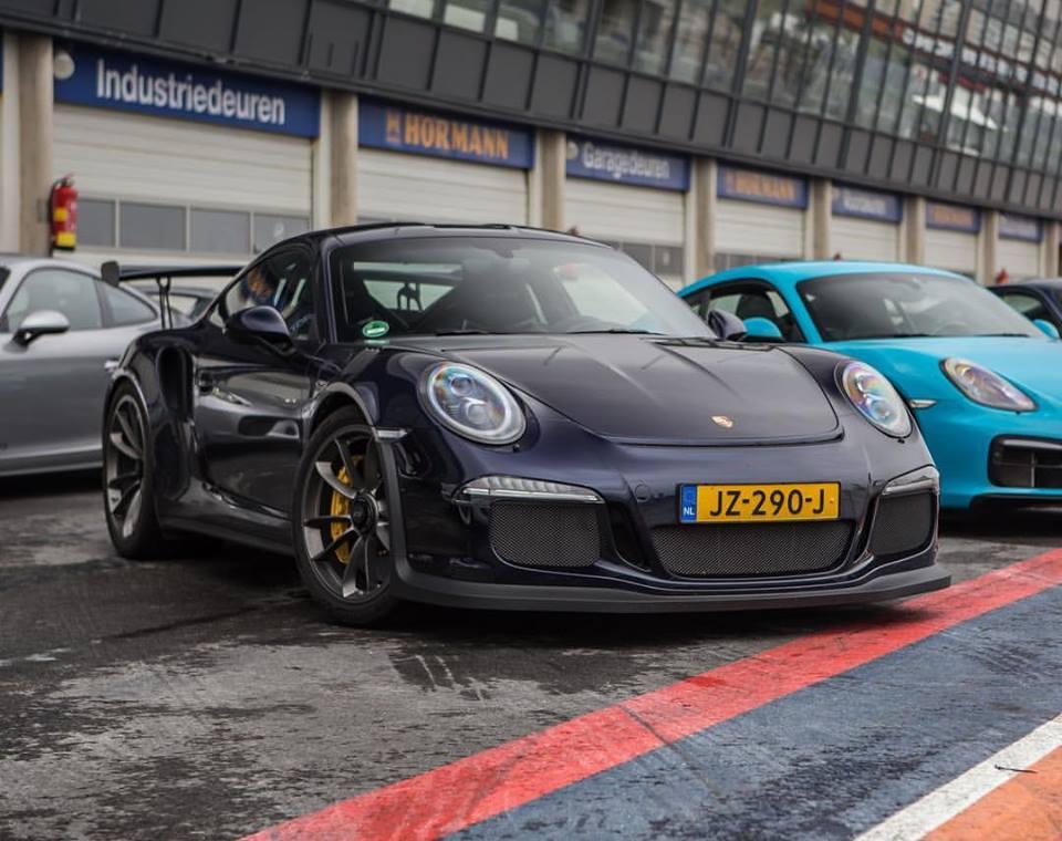 Night Blue Metallic Porsche 911 Gt3 Rs Is A Shining Star Autoevolution