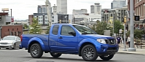 Nissan Frontier, Titan Get Sport Appearance Packages for 2012