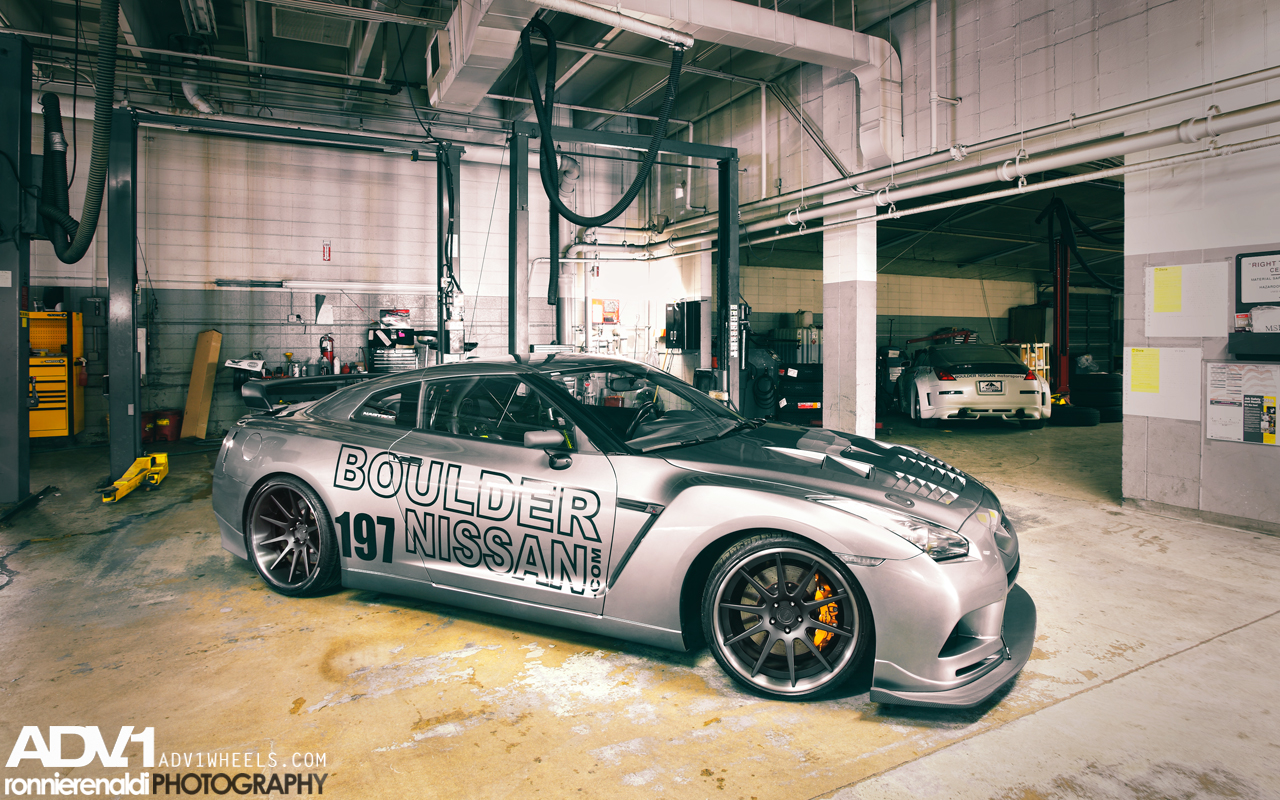 nissan gt r hit by tuning explosion autoevolution. Black Bedroom Furniture Sets. Home Design Ideas