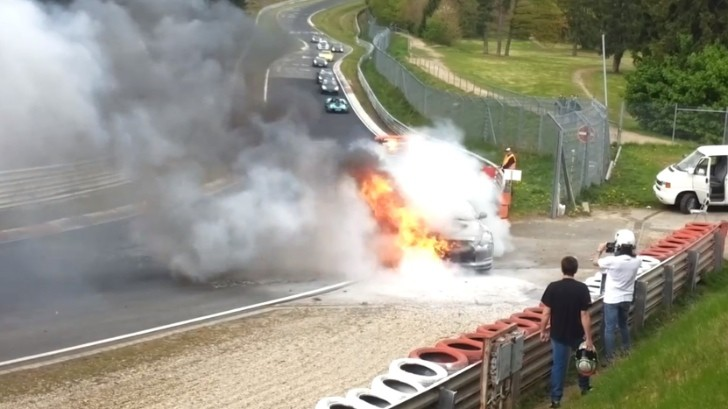 Nissan Gt R Seen On Fire At The Nurburgring Autoevolution
