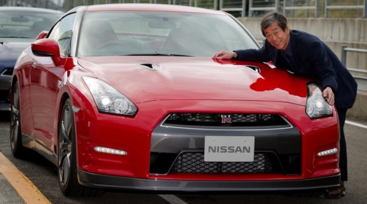 Nissan GT-R Targets Women, Seniors with Interior Trim [Video]