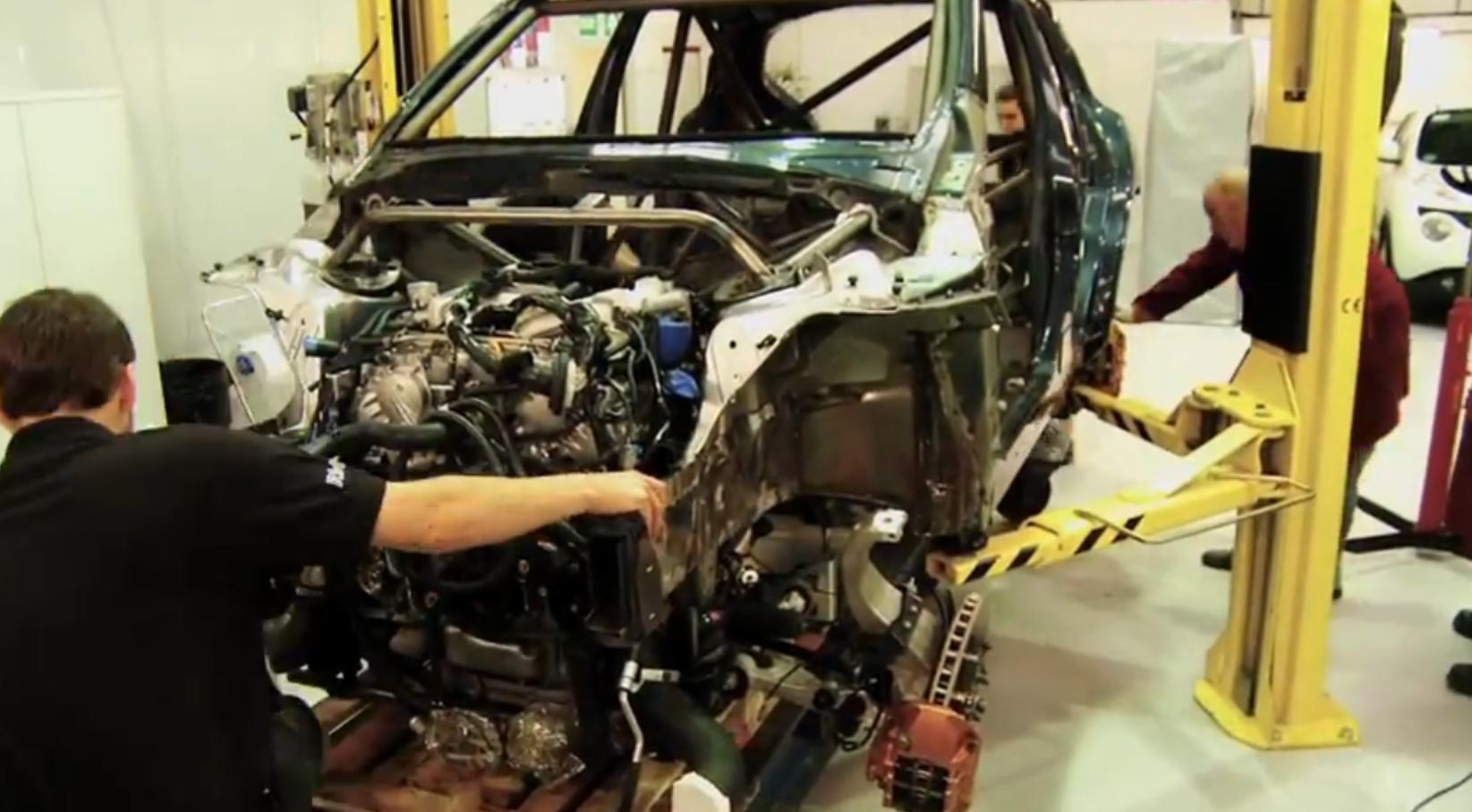 Nissan juke r gets gt r engine transplant for Nissan juke with gtr motor