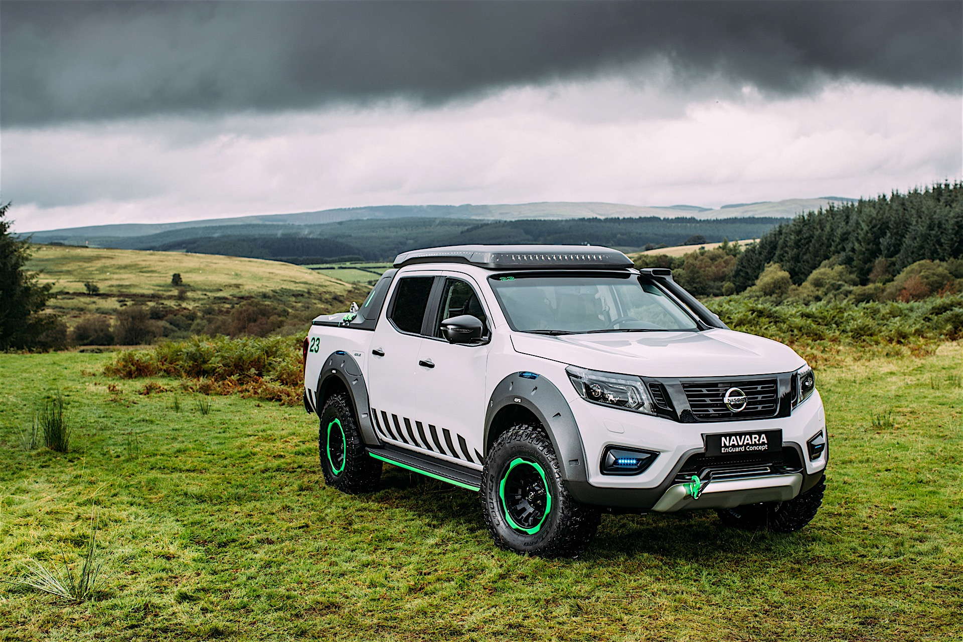 nissan turns navara into rescue vehicle with batteries from its evs autoevolution. Black Bedroom Furniture Sets. Home Design Ideas