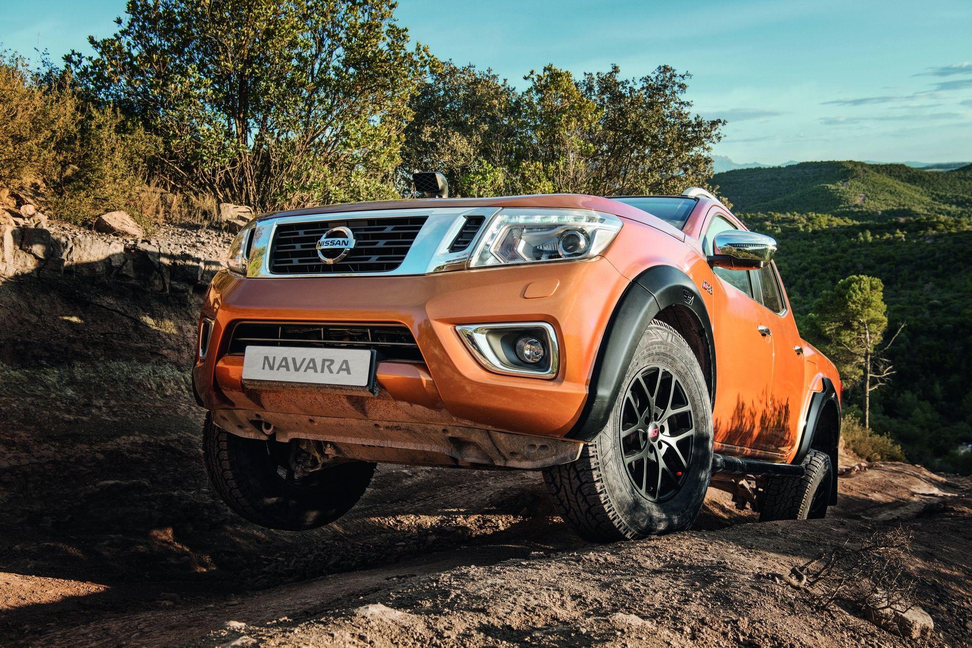Nissan Navara Off-Roader AT32 by Arctic Trucks Boasts 32-inch Tires