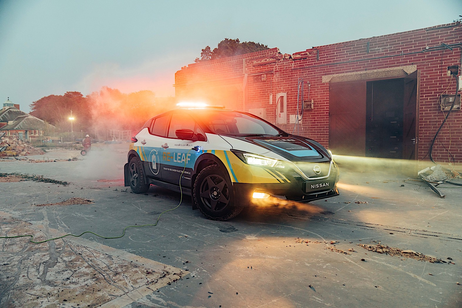 Nissan's Re-Leaf prototype is a mobile power supply for disaster response
