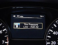The system shows an alert on the dash to warn of low pressure