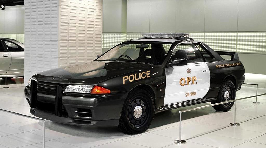 nissan skyline gt r r32 police car rendering is scary. Black Bedroom Furniture Sets. Home Design Ideas
