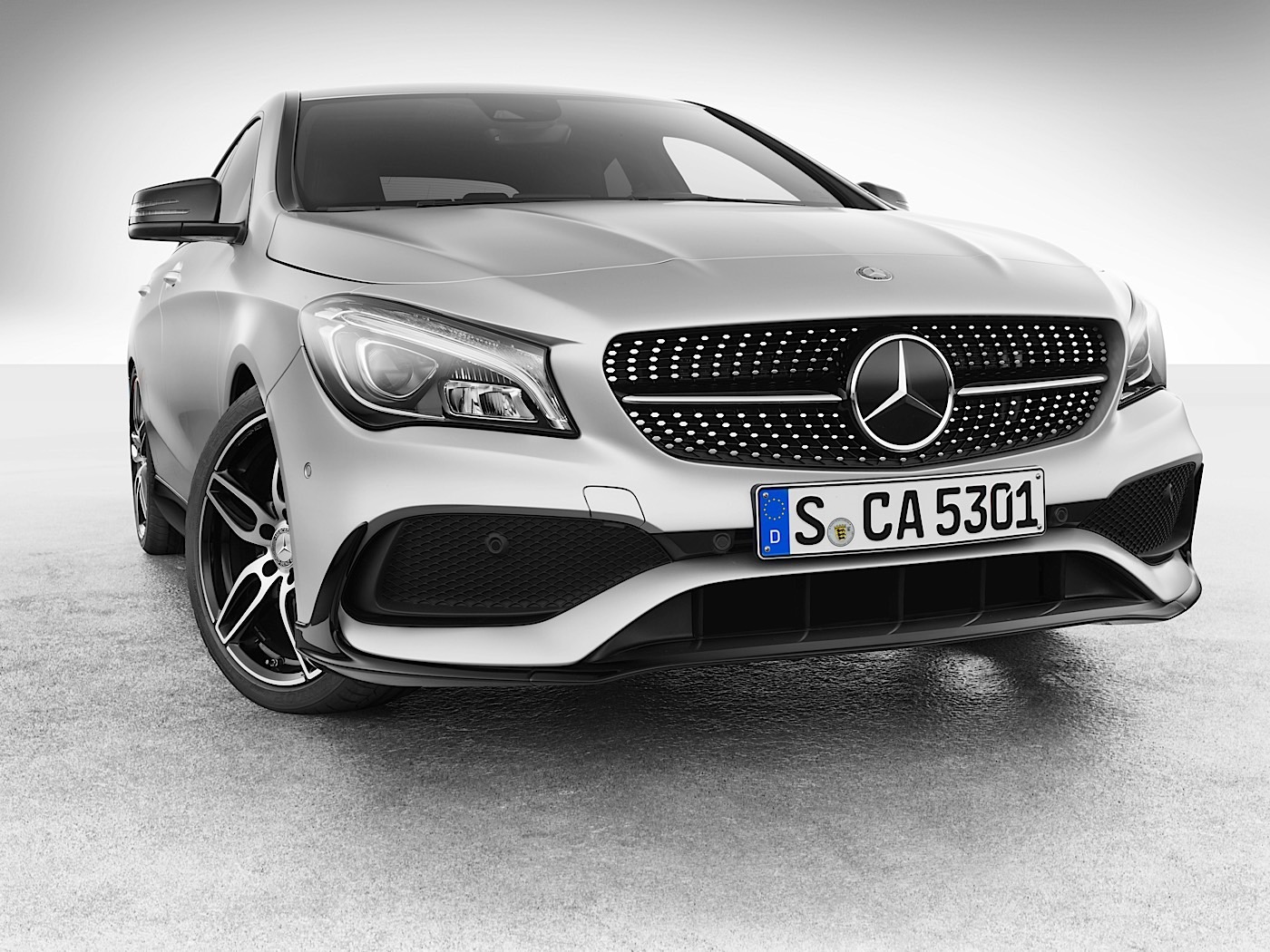 Non amg mercedes benz cla models get more show no go for Mercedes benz amg accessories
