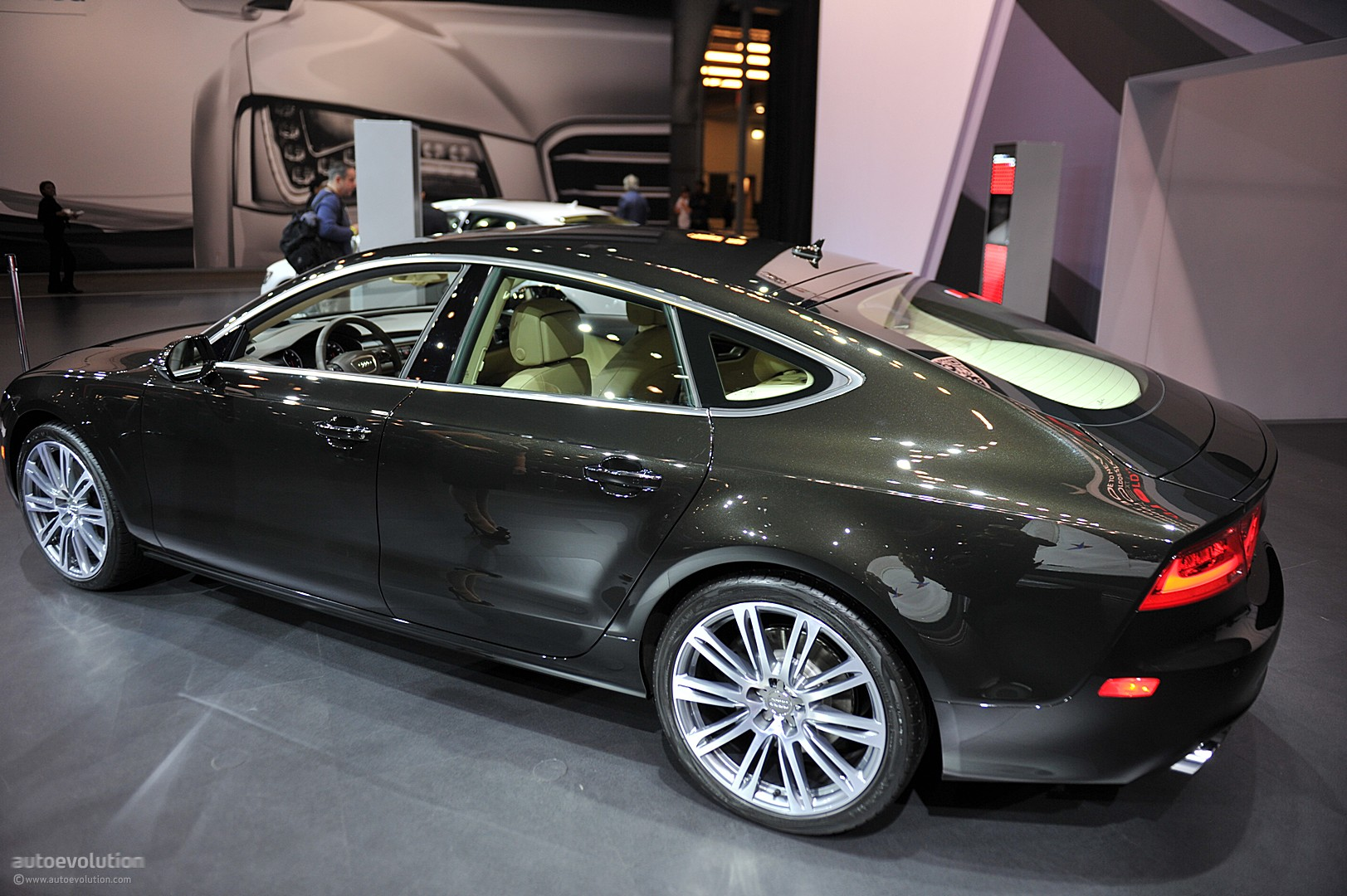 Car Apr Calculator >> NYIAS 2011: Audi A7 [Live Photos] - autoevolution