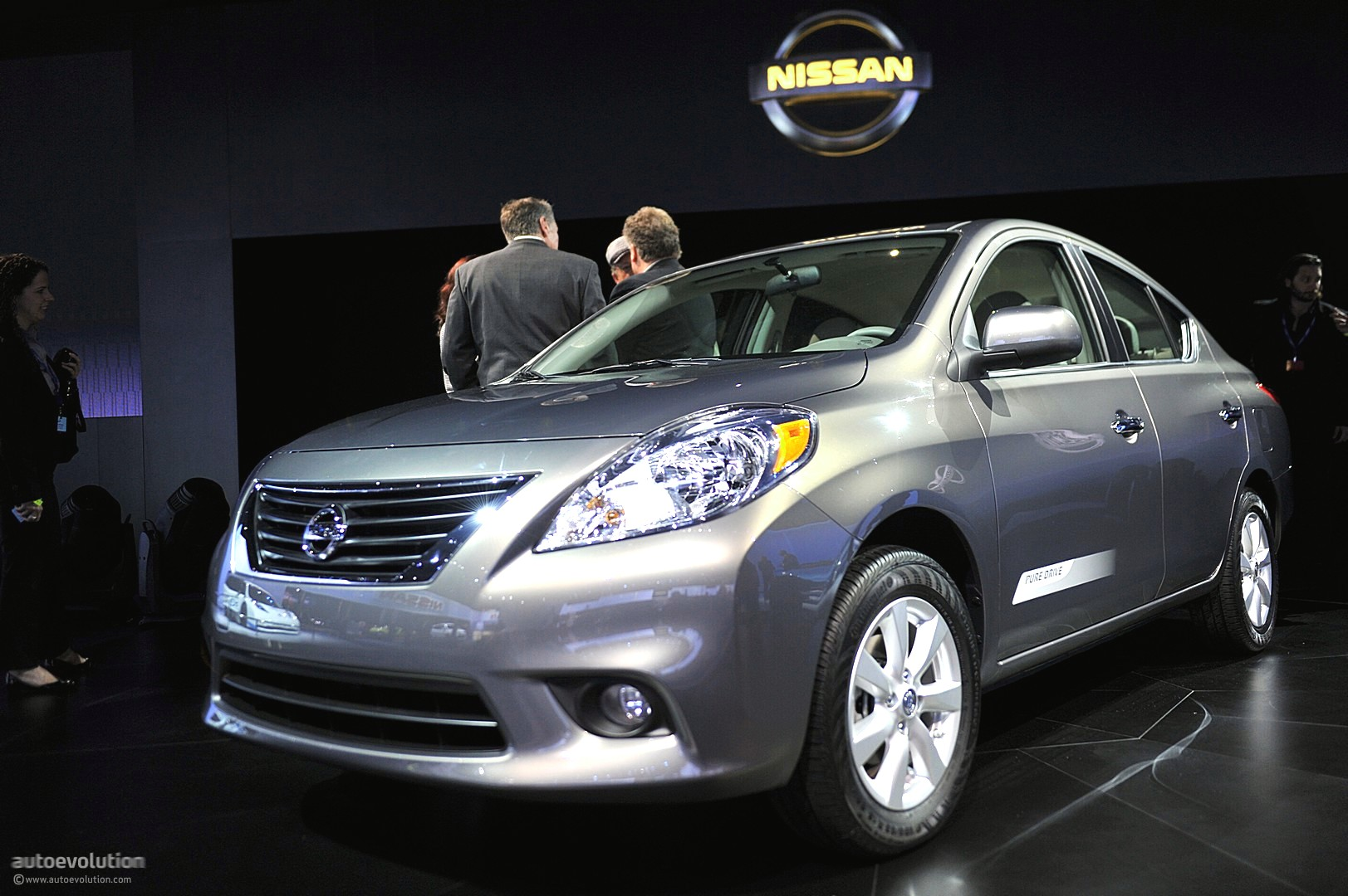 Nyias 2011 Nissan Versa Sedan
