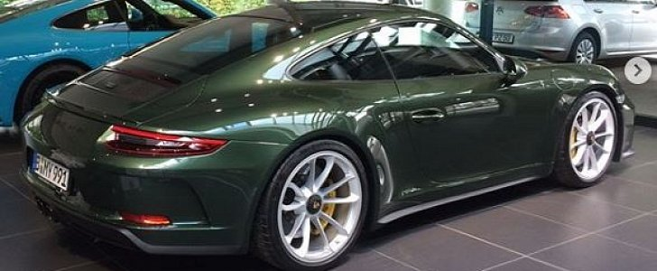 Oak Green Metallic 2018 Porsche 911 Gt3 Touring Package