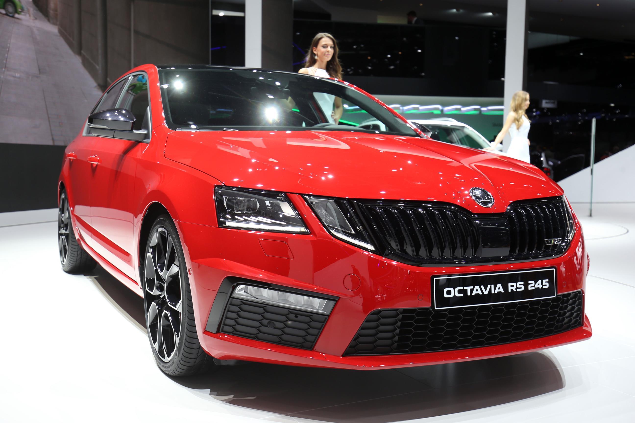 octavia rs 245 debuts in geneva skoda 39 s gti gets 7 speed dsg more power autoevolution. Black Bedroom Furniture Sets. Home Design Ideas
