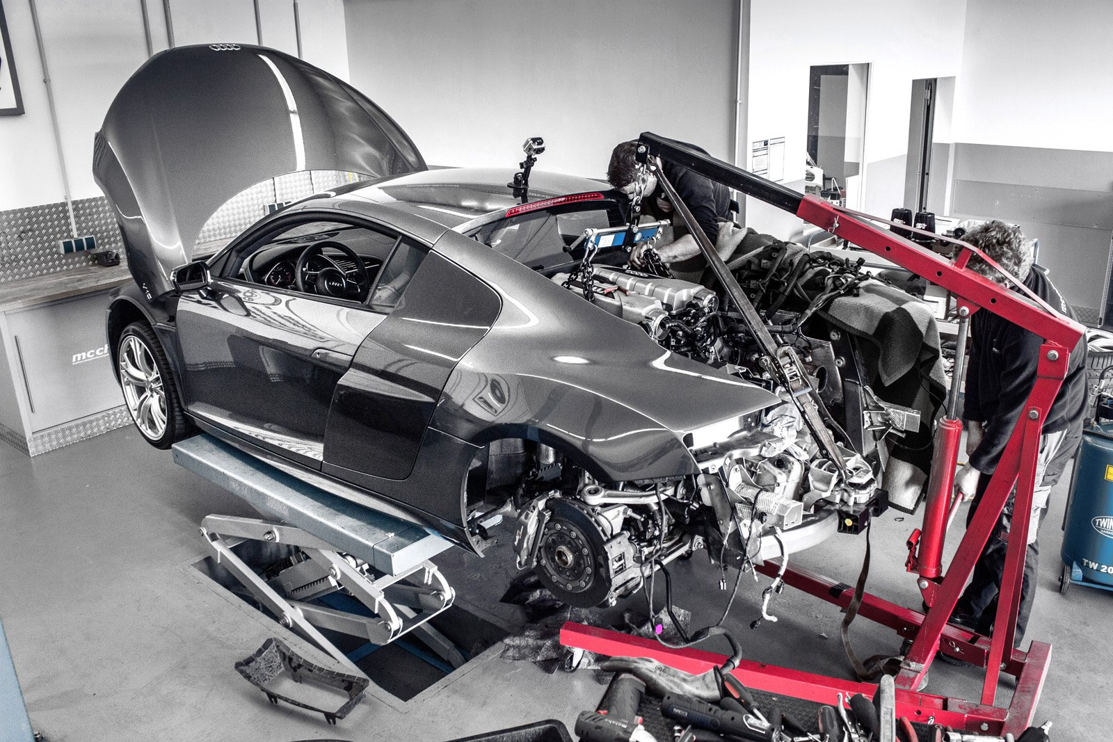 Old Audi R V Supercharged To HP By McchipDKR Autoevolution - Audi r8 engine