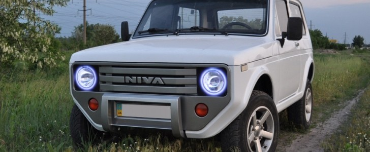 New Lada Niva 2018 >> Old Lada Niva with Custom Front and Rear Fascias Looks Like an Awesome Offroading Unicorn ...