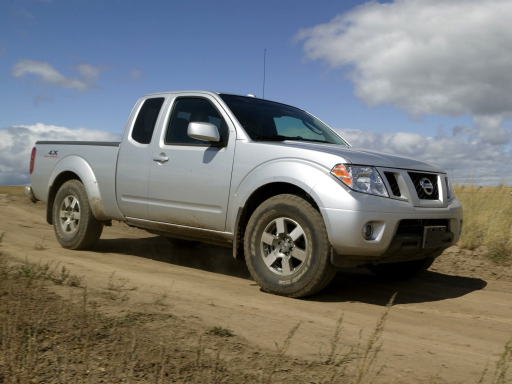 Old Nissan Frontier Soldiers On For 2017 At Least It S Cheap