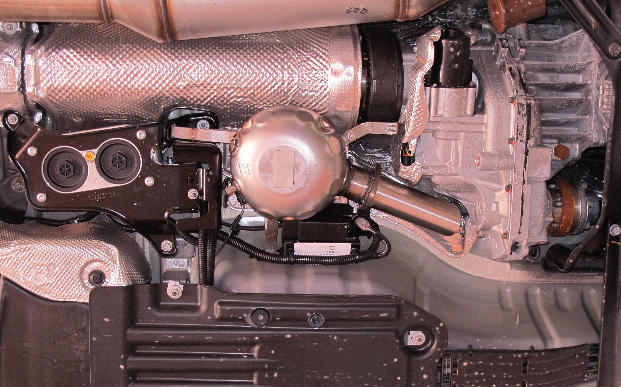 Omg Jeep Grand Cherokee Diesel Gets Fake Exhaust Sound Like Audi