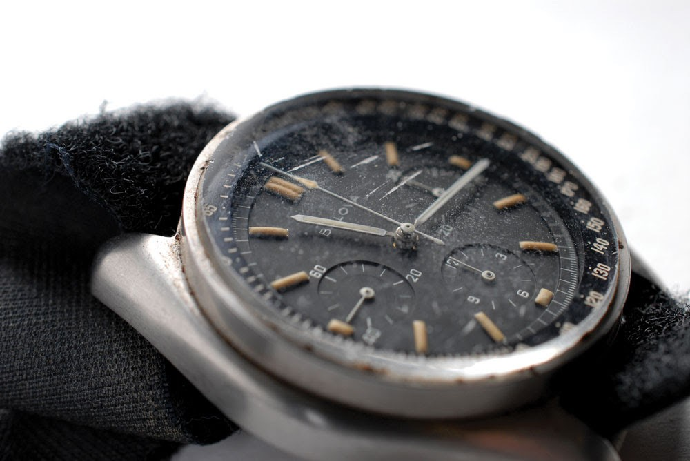One of a kind watch worn by nasa astronaut on the moon fetches 1 6 million autoevolution for Astronaut watches