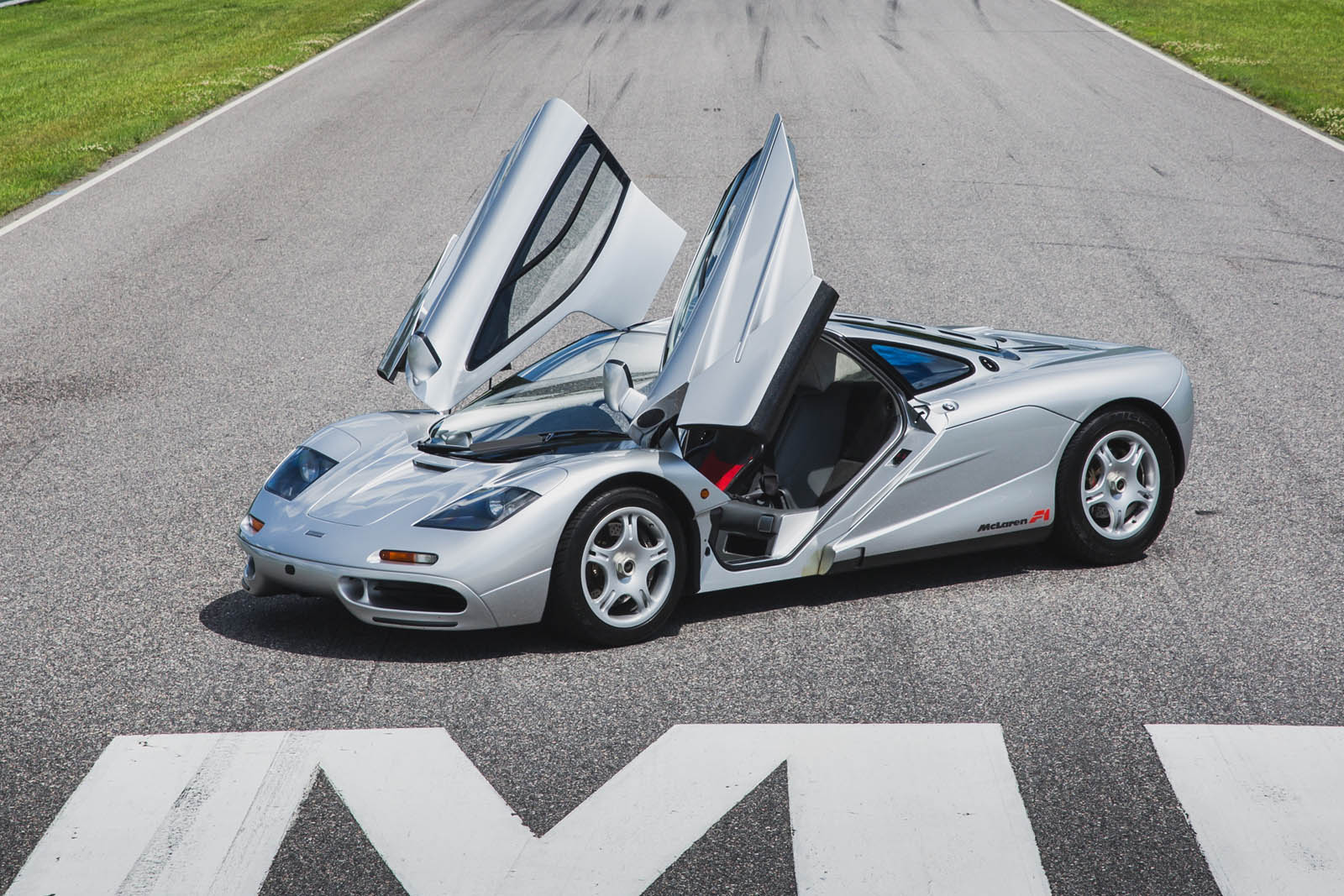 update: one-owner mclaren f1 is a u.s.-spec blast from the past