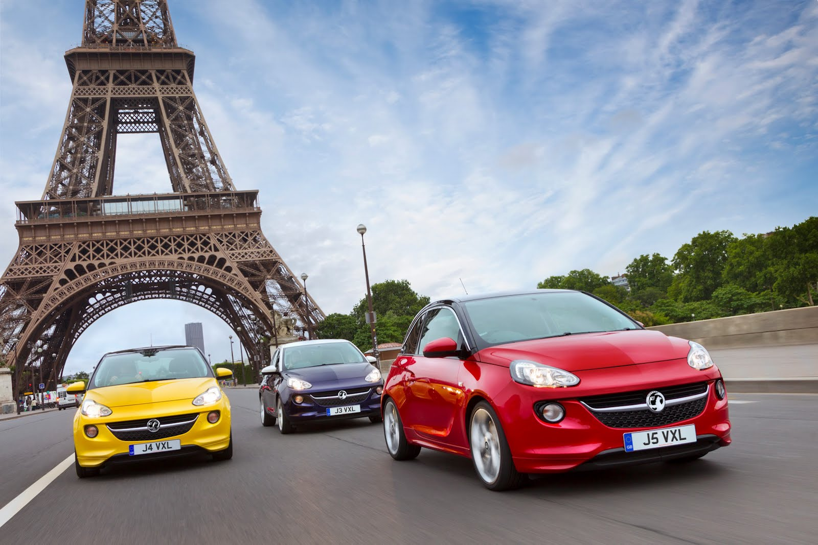 Opel Adam Photos Inverted to Please Vauxhall Fans - autoevolution