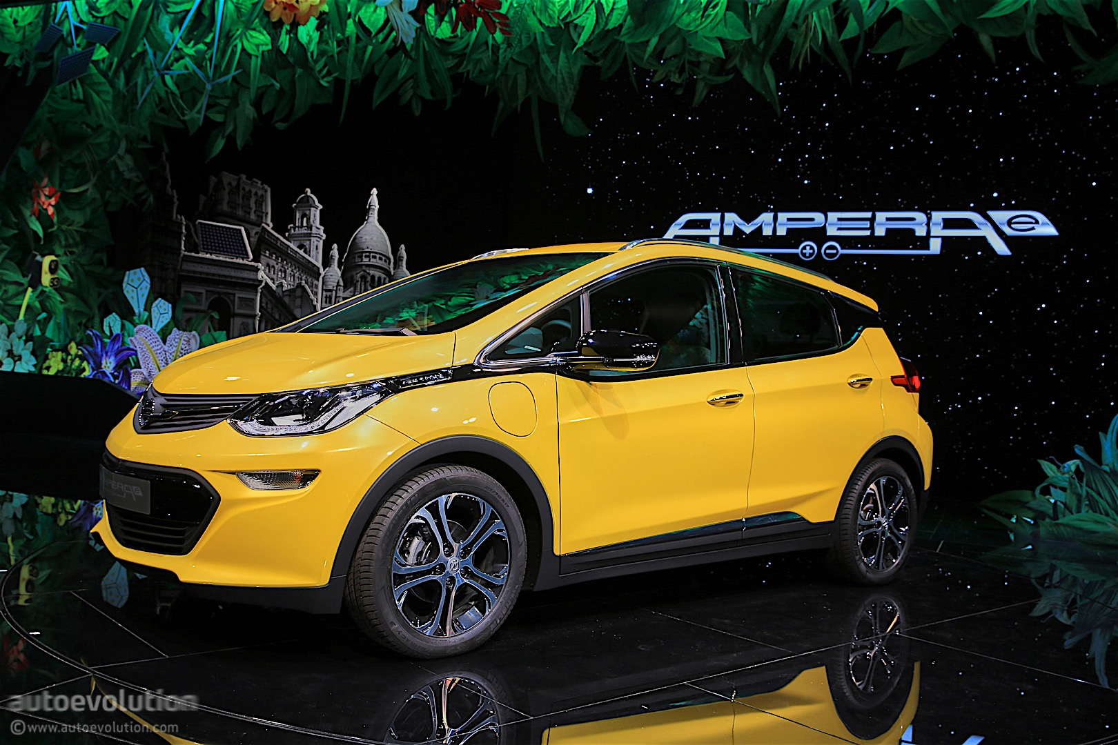 the 2017 opel ampera e has arrived in paris its maximum range exceeds 500 km autoevolution. Black Bedroom Furniture Sets. Home Design Ideas