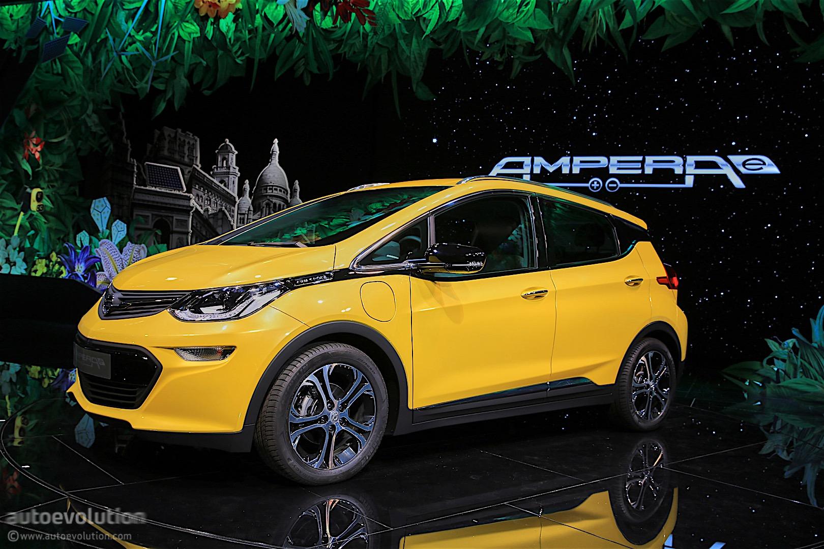 The 2017 Opel Ampera E Has Arrived In Paris Its Maximum Range Exceeds 500 Km Autoevolution