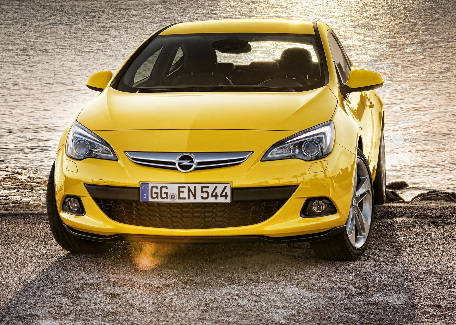 opel astra gtc now available with new turbo diesel autoevolution. Black Bedroom Furniture Sets. Home Design Ideas