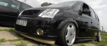 Opel Meriva Gets Dark Custom Treatment