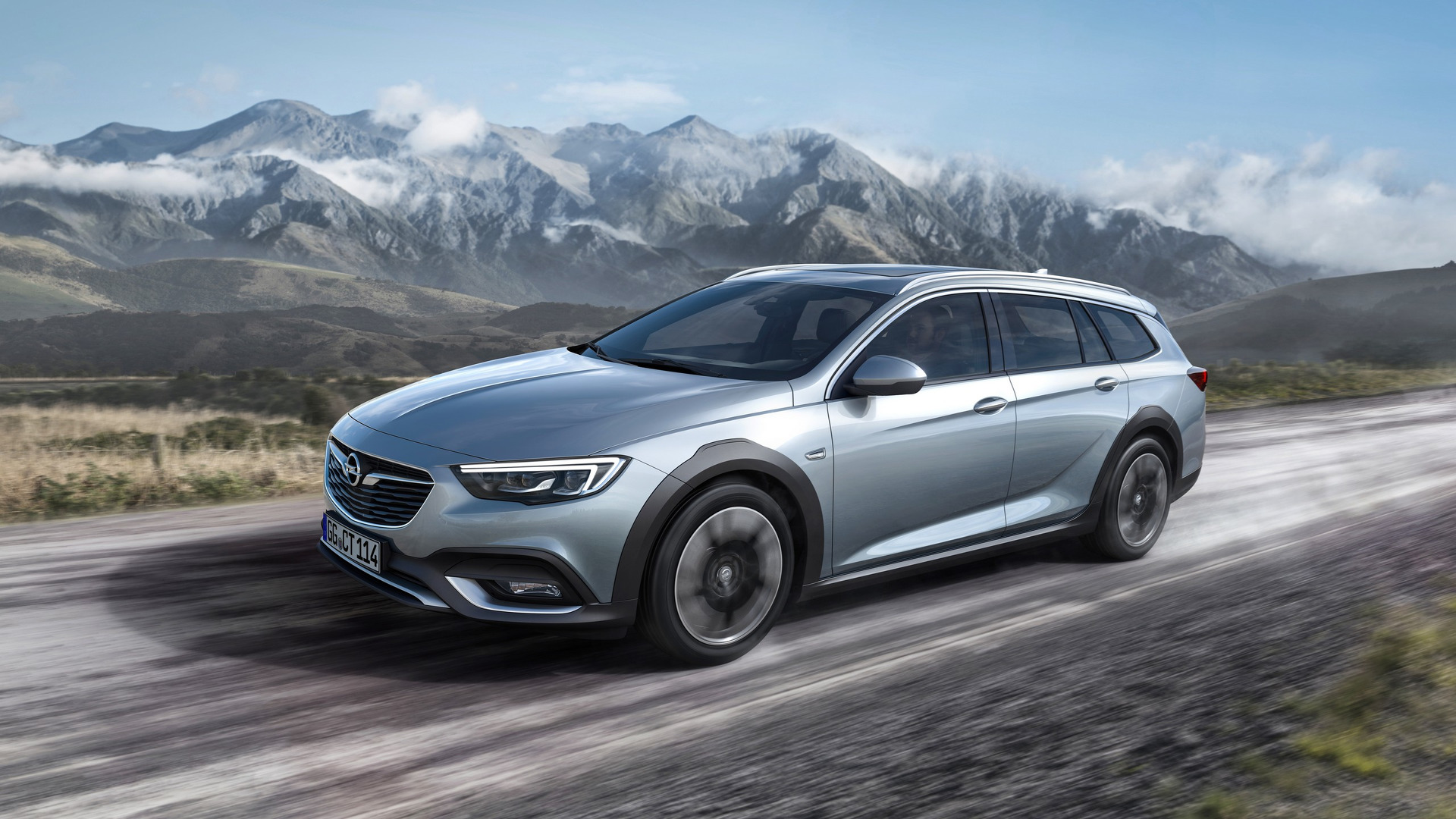 opel reveals all new 2018 insignia country tourer will. Black Bedroom Furniture Sets. Home Design Ideas