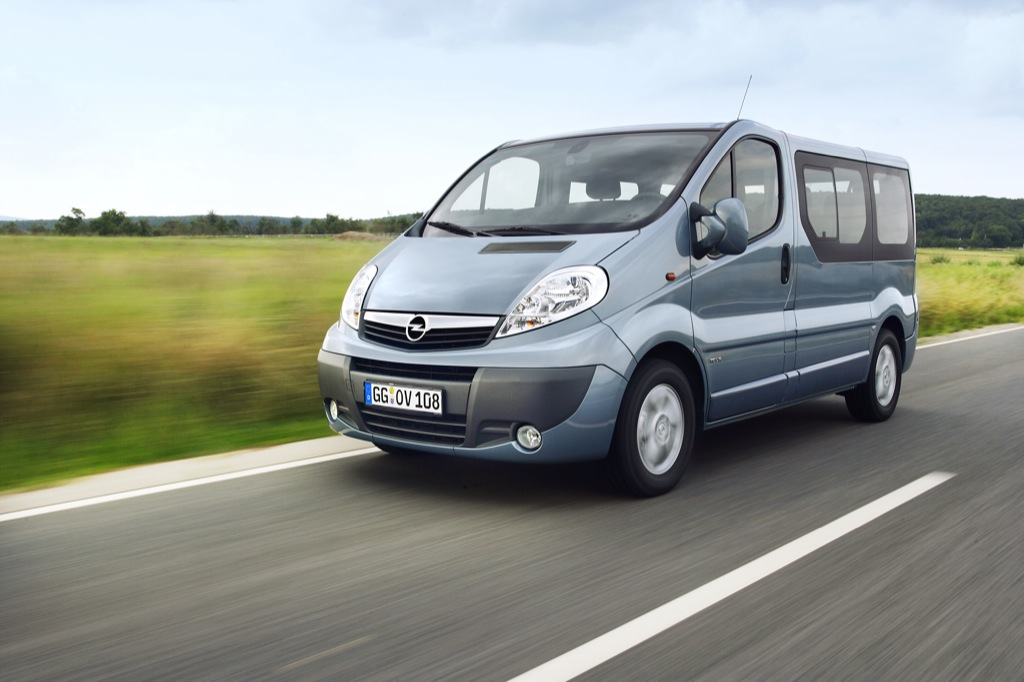 opel vivaro combi ecoflex rolled out autoevolution. Black Bedroom Furniture Sets. Home Design Ideas