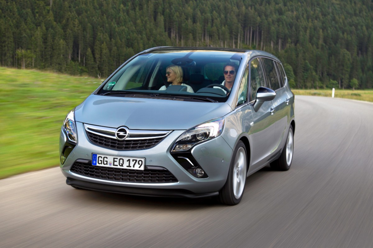 opel zafira tourer gets powerful 1 6 liter sidi turbo. Black Bedroom Furniture Sets. Home Design Ideas
