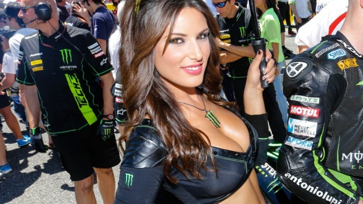 paddock-girls-at-jerez-2014-photo-galleryvideo-80834-7.jpg
