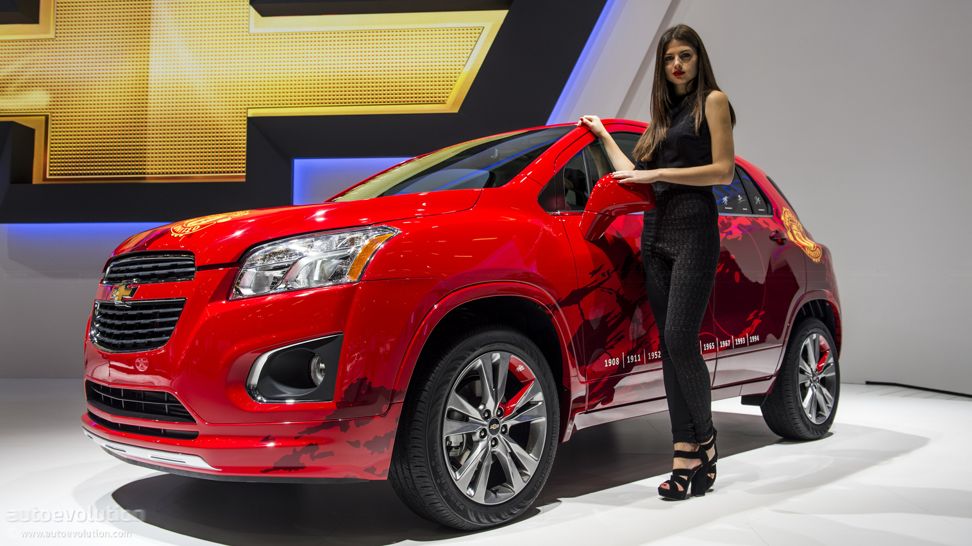 Paris 2012 Chevrolet Trax In Manchester United Theme Live