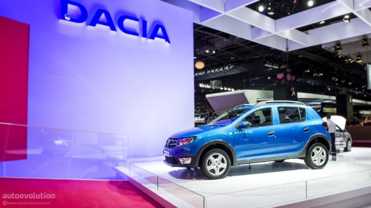 Paris 2012: Dacia Sandero Stepway [Live Photos]