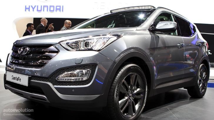 19 Photos. Hyundai Santa Fe ...
