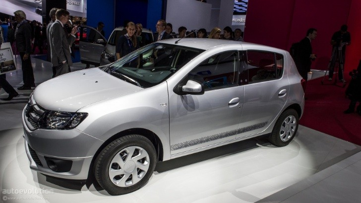 Paris 2012: New Dacia Sandero [Live Photos]