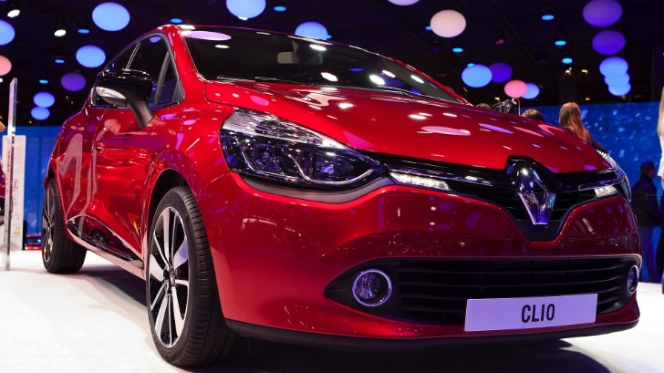 Paris 2012: Renault Clio Shown in Detail [Live Photos]